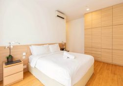 Budget-service-apartment-in-Singapore-2-1024x683