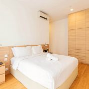 Budget-service-apartment-in-Singapore-2